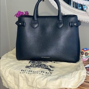 Burberry Banner leather tote